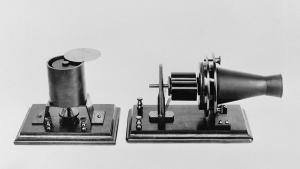 the-first-telephone-developed-everett